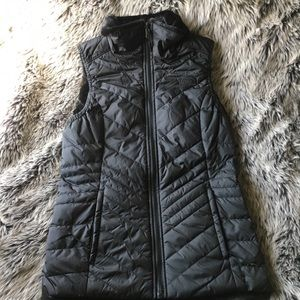 NORTH FACE REVERSIBLE WOMENS VEST- NEW W/O TAGS